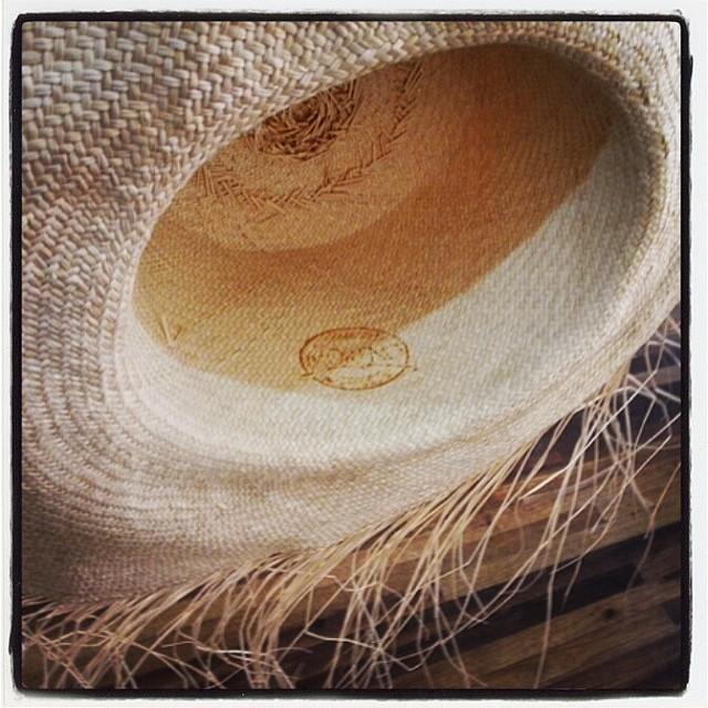 Cappello Panama  tutto quello che c è da sapere su un must have senza tempo b1a916fb9700