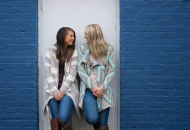 abbinare fare amicizia