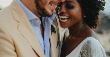 Le più belle acconciature da sposa con capelli ricci
