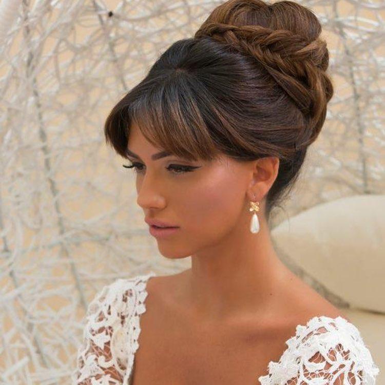 Acconciature da sposa  hairstyle e look a cui ispirarsi 21e104cf0a25