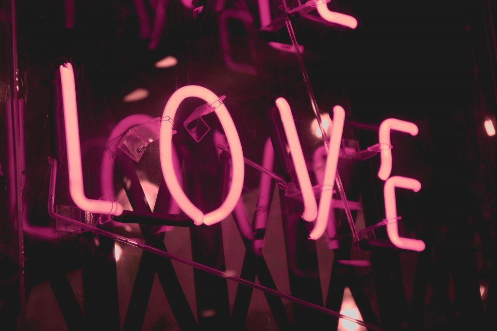 Frasi D Amore Per Lui Per Conquistarlo E Non Farti Dimenticare