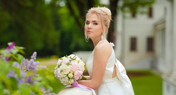 Acconciature-per-sposa-con-capelli-lunghi. Scritto da Serena Serra 197e3853d604