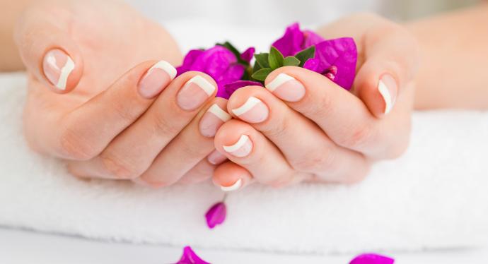 Rimuovere gel dalle unghie