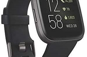 Smartwatch Fitbit Versa 2 con controllo vocale e Alexa integrata
